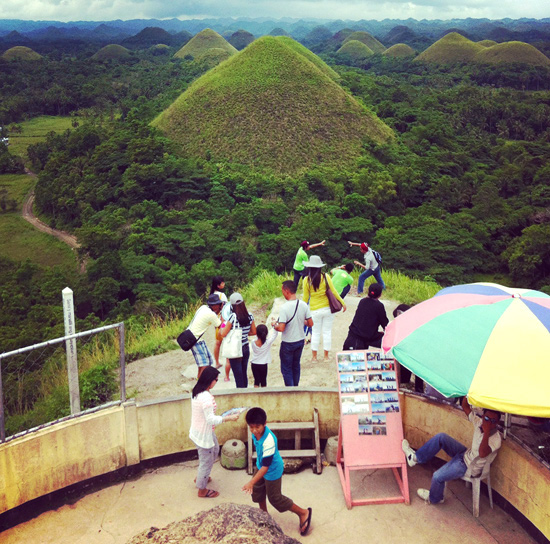 Peter Hoang & Nerissa Goco : The Chocolate Hills